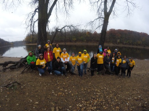 EMLE volunteers by the Mighty Mississippi